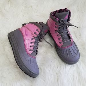 Nike Girls Grey & Pink Winter Boots
